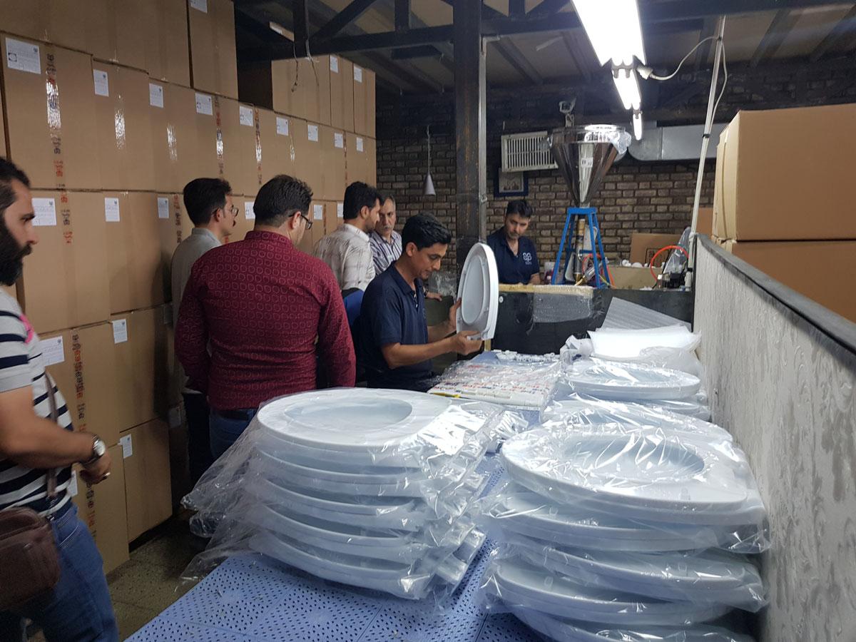 بازدید نصابان و فروشندگان از کارخانه سنی پلاست شرکت ونداد تهویه سپهر