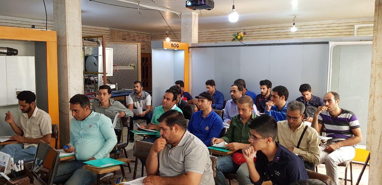 کلاس آموزش خدمات آلزان در اصفهان سال 98